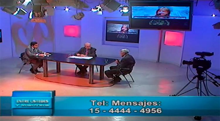 Jorge Castro en el piso del programa Entre Ustedes y Nosotros